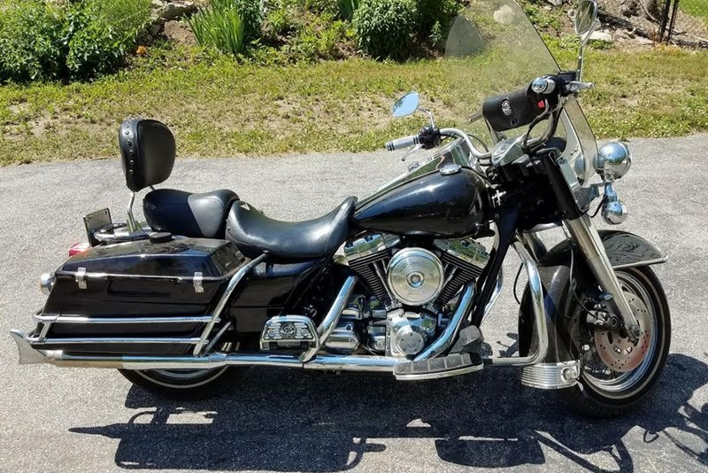 Photo of a 1999 Harley-Davidson® FLHPI Road King® Police