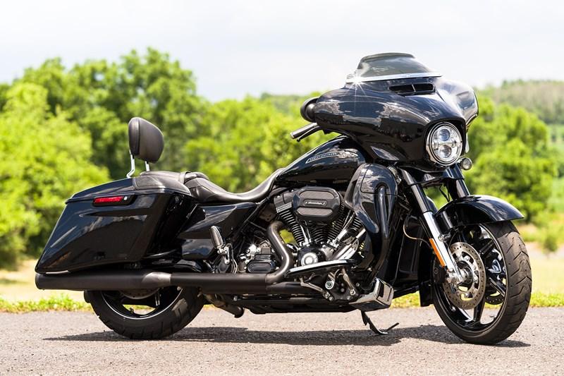 Photo of a 2016 Harley-Davidson® FLHXSE CVO™ Street Glide®
