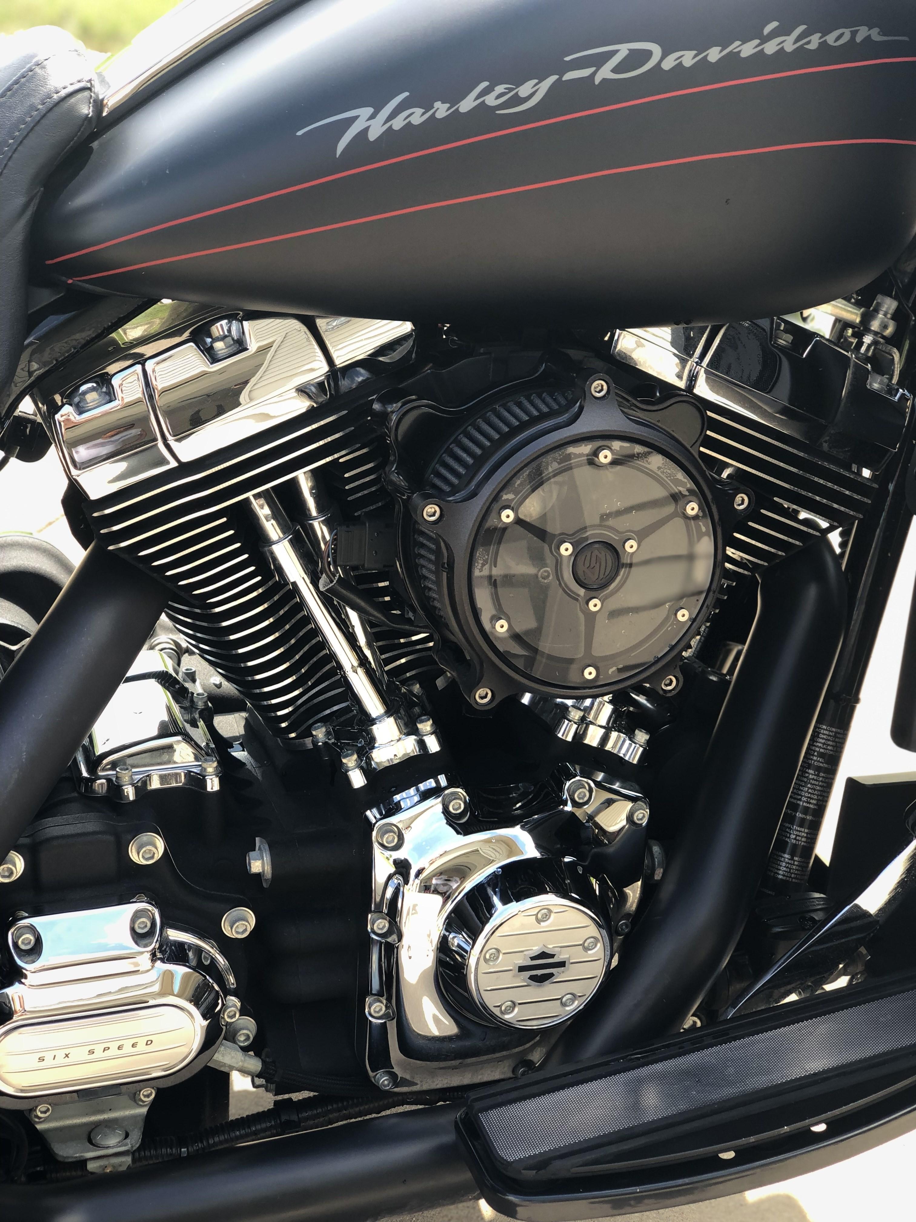 2013 Harley-Davidson® FLTRX Road Glide® Custom