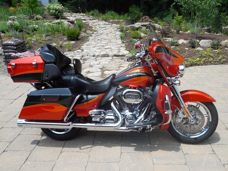 Photo of a 2013 Harley-Davidson® FLHTCUSE8 CVO™ Ultra Classic® Electra Glide®