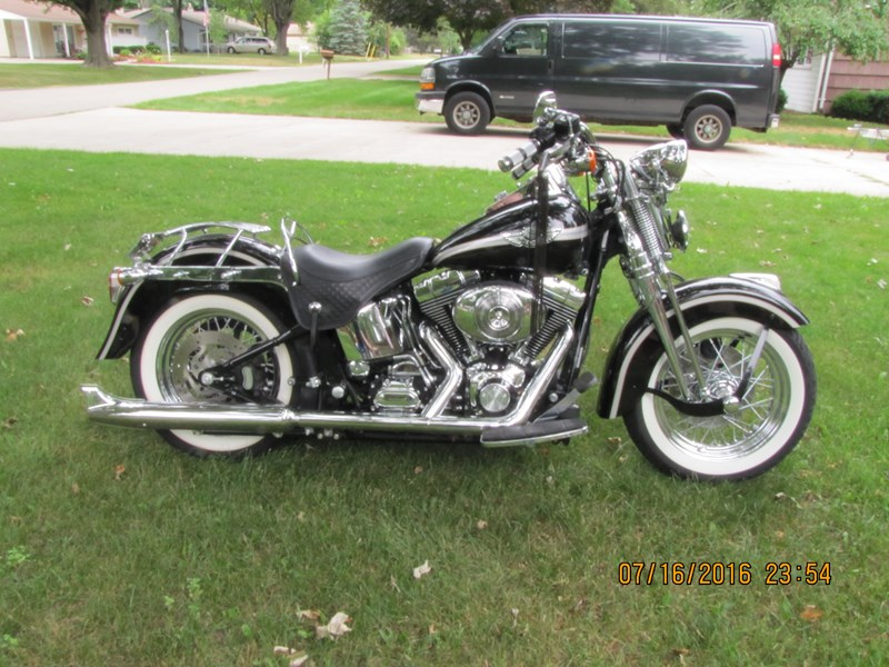Photo of a 2003 Harley-Davidson® FLSTS/I-ANV Heritage Springer® Anniversary