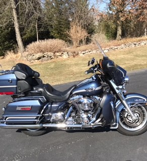 Photo of a 2003 Harley-Davidson® FLHTC/I-ANV Electra Glide® Classic Anniversary