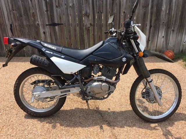 Photo of a 2015 Suzuki DR200S