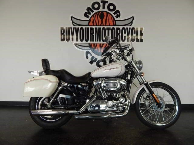 Photo of a 2007 Harley-Davidson® XL1200C Sportster® 1200 Custom