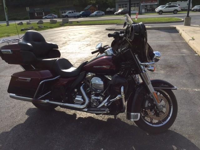 Photo of a 2015 Harley-Davidson® FLHTKL Ultra Limited Low