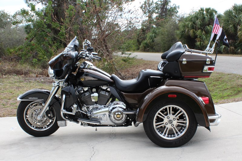Photo of a 2013 Harley-Davidson® FLHTCUTAE Tri Glide™ Ultra Classic® 110th Anniversary