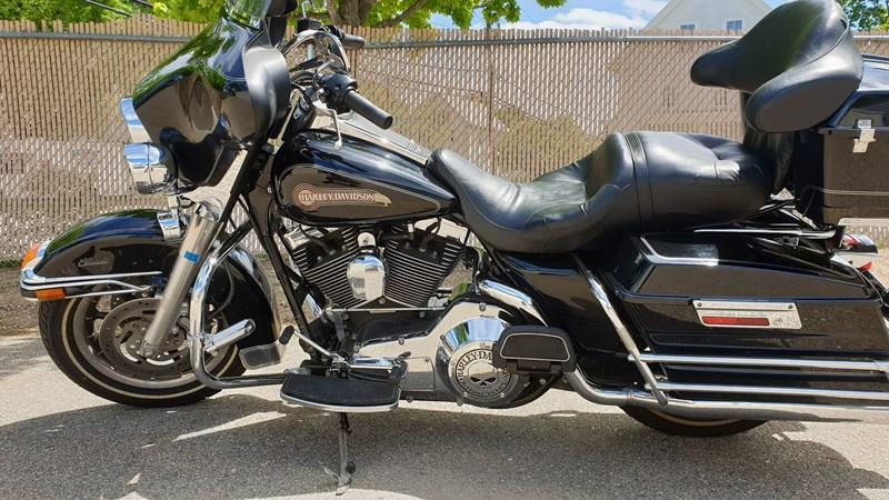 Photo of a 2006 Harley-Davidson® FLHTCI Electra Glide® Classic