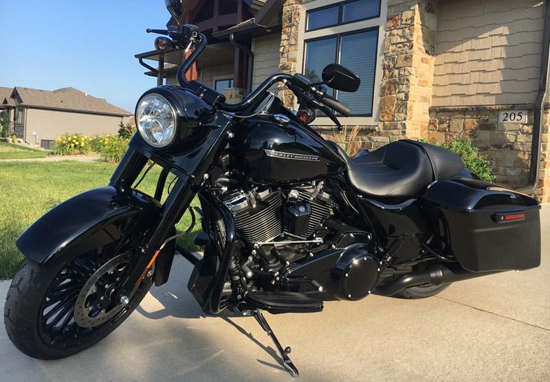 Harley Davidson Lexington Ky >> 2017 Harley-Davidson® FLHRXS Road King® Special (Black ...