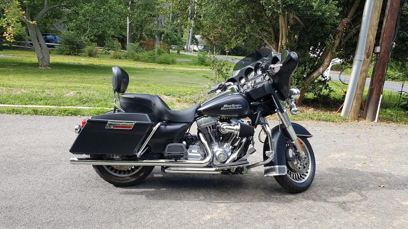 Photo of a 2009 Harley-Davidson® FLHT Electra Glide® Standard