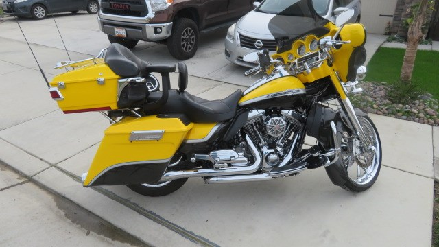 Photo of a 2012 Harley-Davidson® FLHTCUSE7 CVO™ Ultra Classic® Electra Glide®