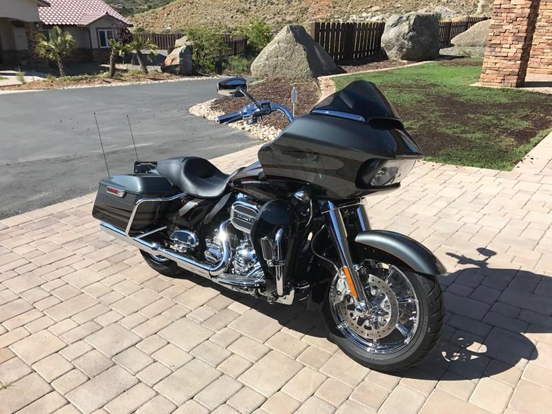 Photo of a 2016 Harley-Davidson® FLTRUSE CVO™ Road Glide® Ultra