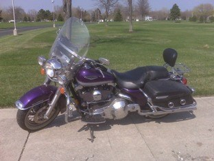 Photo of a 2001 Harley-Davidson® FLHRC/I Road King® Classic