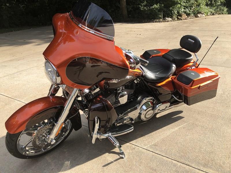 Photo of a 2012 Harley-Davidson® FLHXSE3 CVO™ Street Glide®