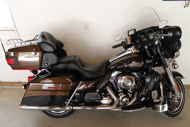 Photo of a 2013 Harley-Davidson® FLHTK-ANV Electra Glide® Ultra® Limited 110th Anniversary