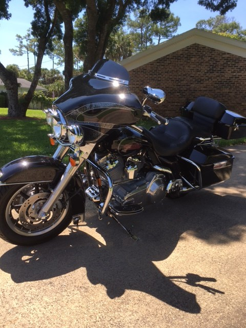 Photo of a 2007 Harley-Davidson® FLHTC Electra Glide® Classic