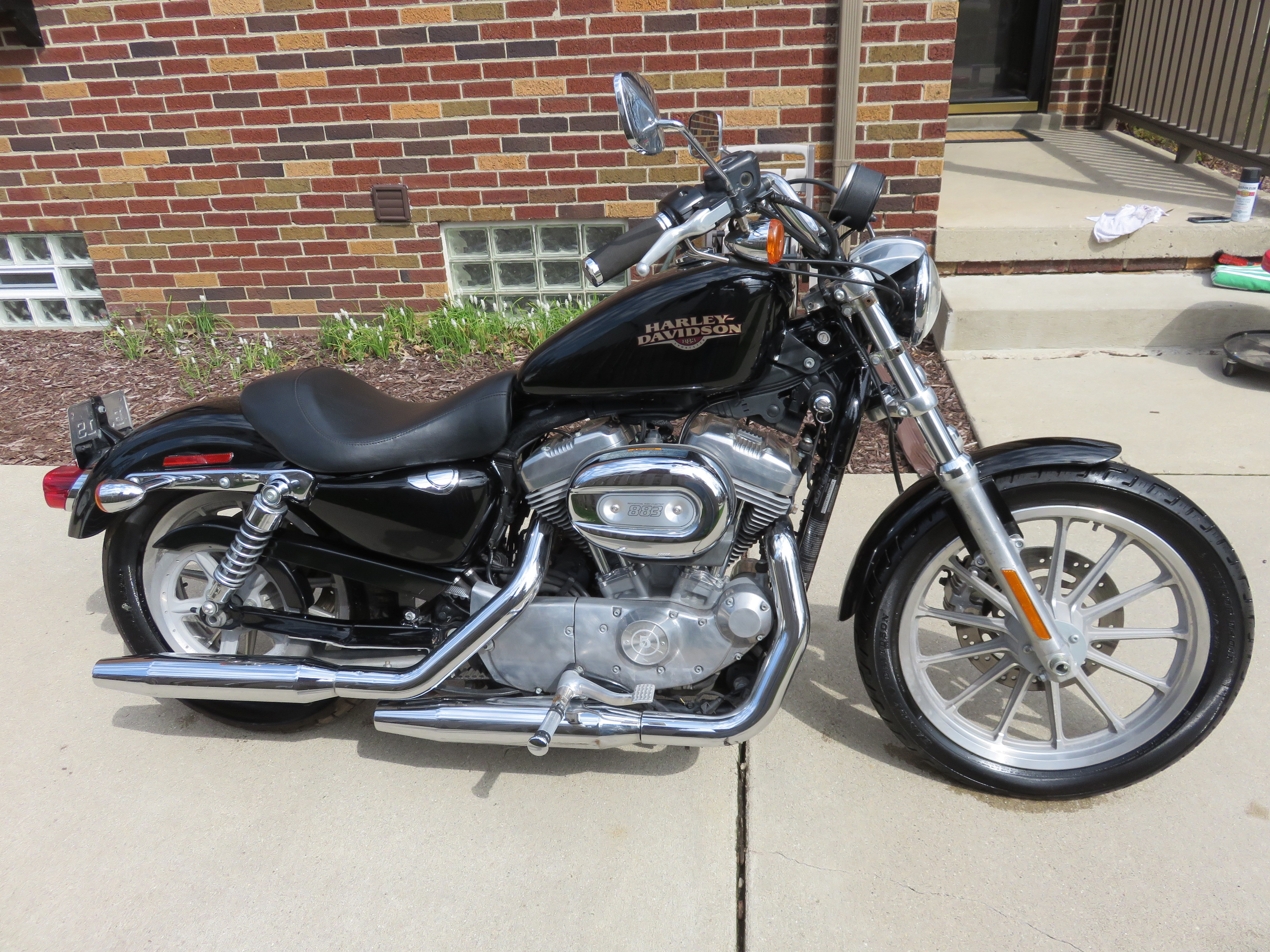 2009 harley davidson xlh 883 sportster 883 black plymouth michigan 719333 chopperexchange. Black Bedroom Furniture Sets. Home Design Ideas