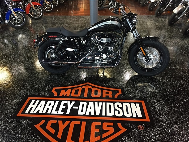2018 Harley Davidson Xl1200c Sportster 1200 Custom Black Tempest