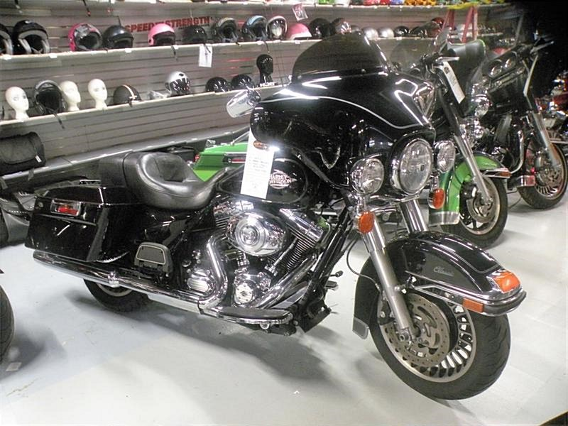 Photo of a 2013 Harley-Davidson® FLHTC Electra Glide® Classic