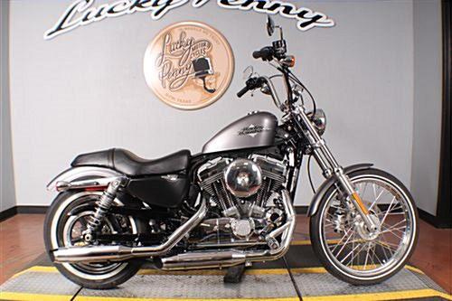 Photo of a 2016 Harley-Davidson® XL1200V Sportster® Seventy-Two®