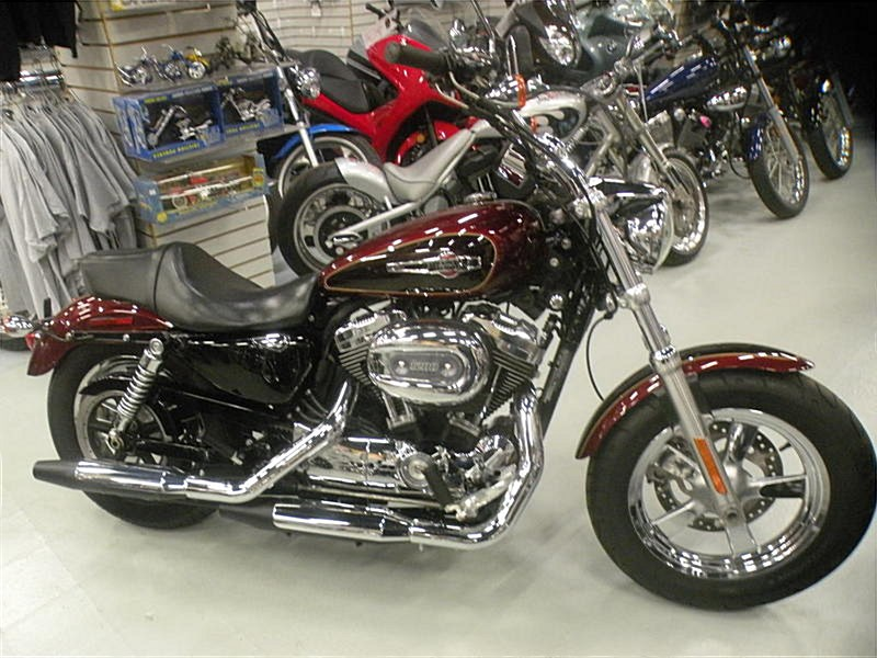 Photo of a 2015 Harley-Davidson® XL1200C Sportster® 1200 Custom