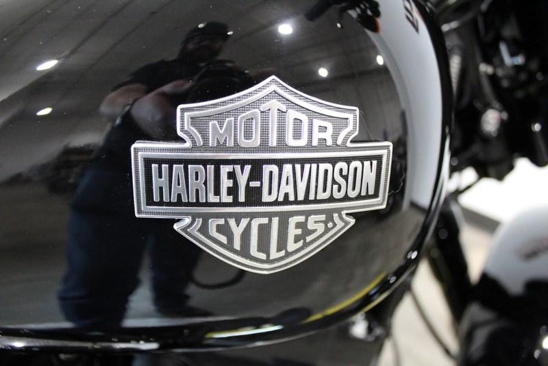 2017 Harley Davidson Fls Softail Slim S Vivid Black