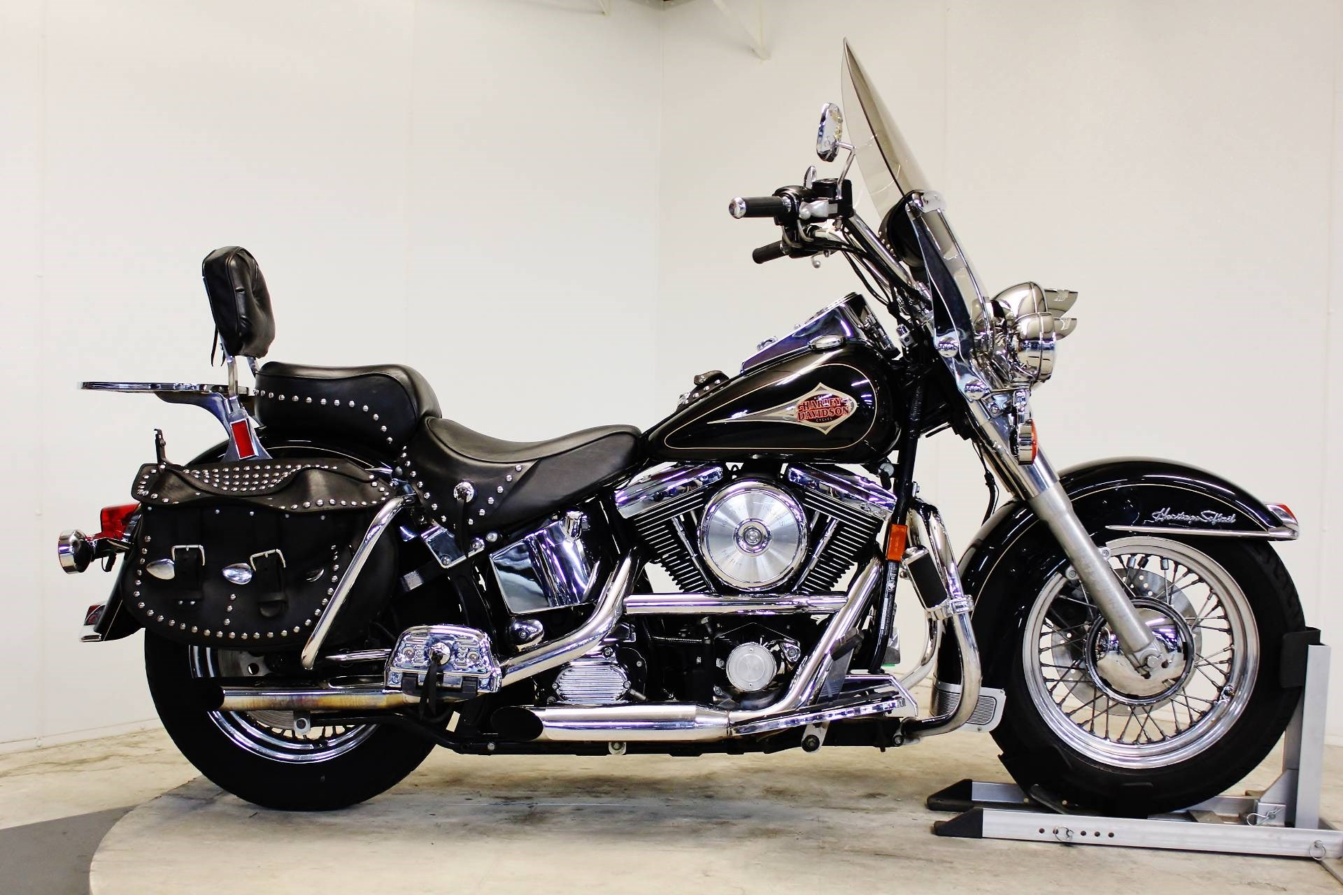 1998 harley davidson flstc heritage softail classic. Black Bedroom Furniture Sets. Home Design Ideas