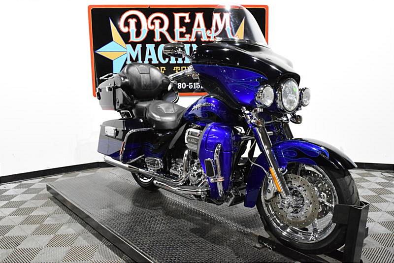 Photo of a 2011 Harley-Davidson® FLHTCUSE6 CVO™ Ultra Classic Electra Glide®