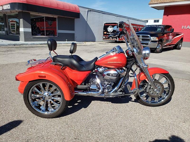 Photo of a 2017 Harley-Davidson® FLRT Freewheeler™