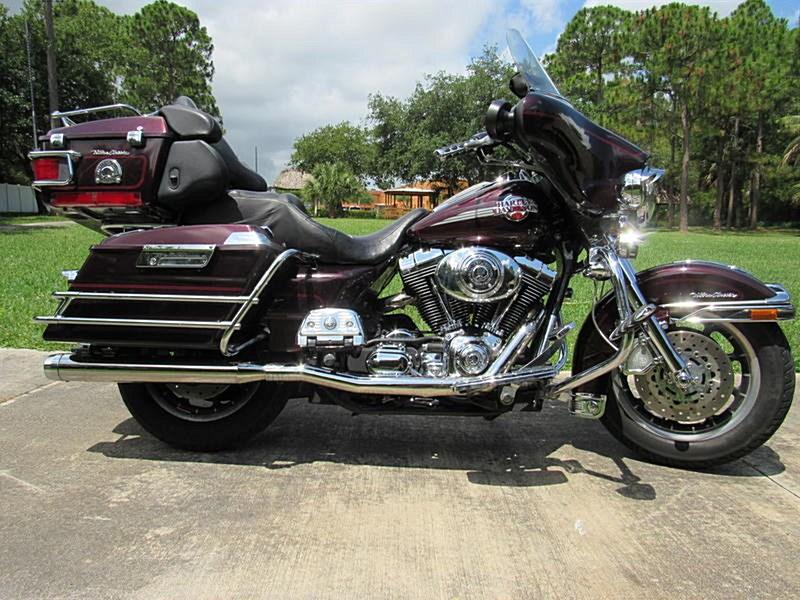 Photo of a 2005 Harley-Davidson® FLHTC/I Electra Glide® Classic