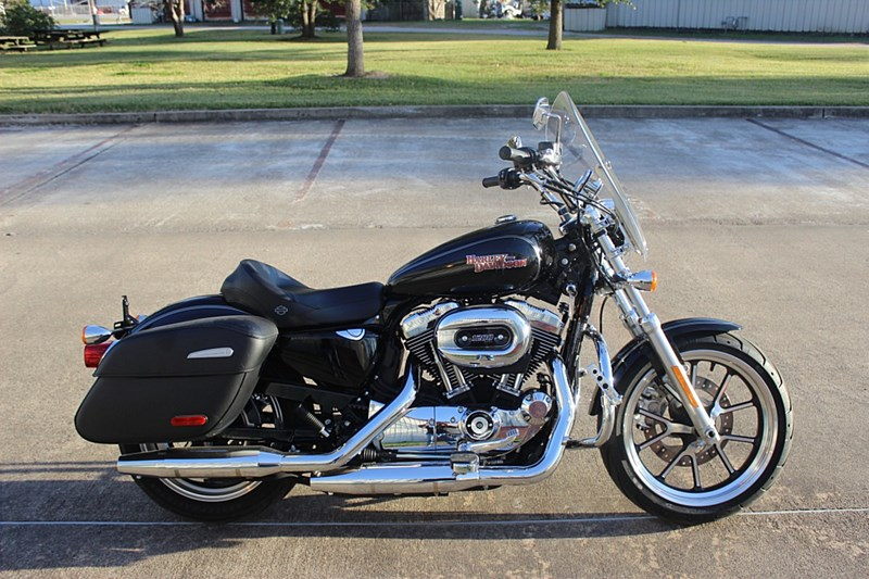 Photo of a 2017 Harley-Davidson® XL1200T Sportster® SuperLow® 1200T
