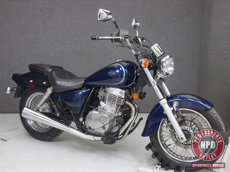 Photo of a 2003 Suzuki GZ250