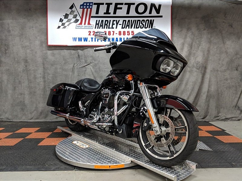 Photo of a 2018 Harley-Davidson® FLTRX Road Glide®