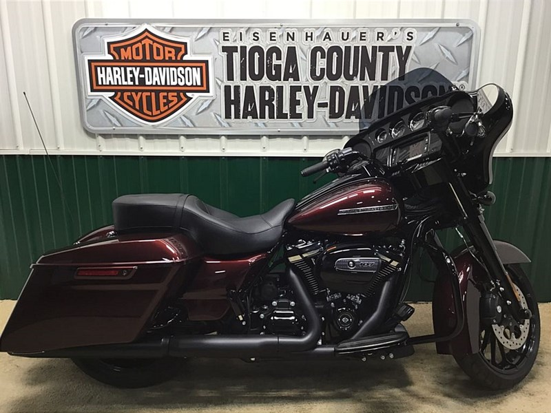Photo of a 2018 Harley-Davidson® FLHXS Street Glide® Special