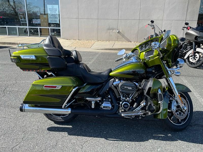 Photo of a 2017 Harley-Davidson® FLHTKSE CVO™ Limited