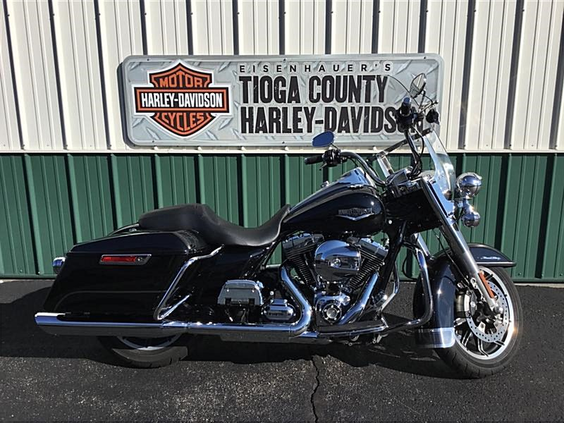 Photo of a 2015 Harley-Davidson® FLHR Road King®