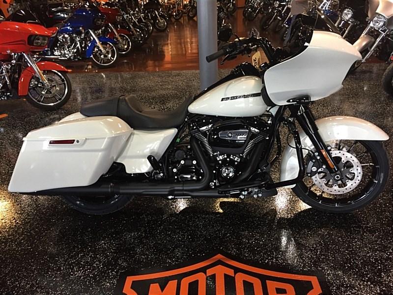 2018 Harley-Davidson® FLTRXS Road Glide® Special