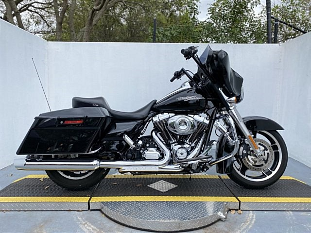 Photo of a 2013 Harley-Davidson® FLHXXX Street Glide® Trike