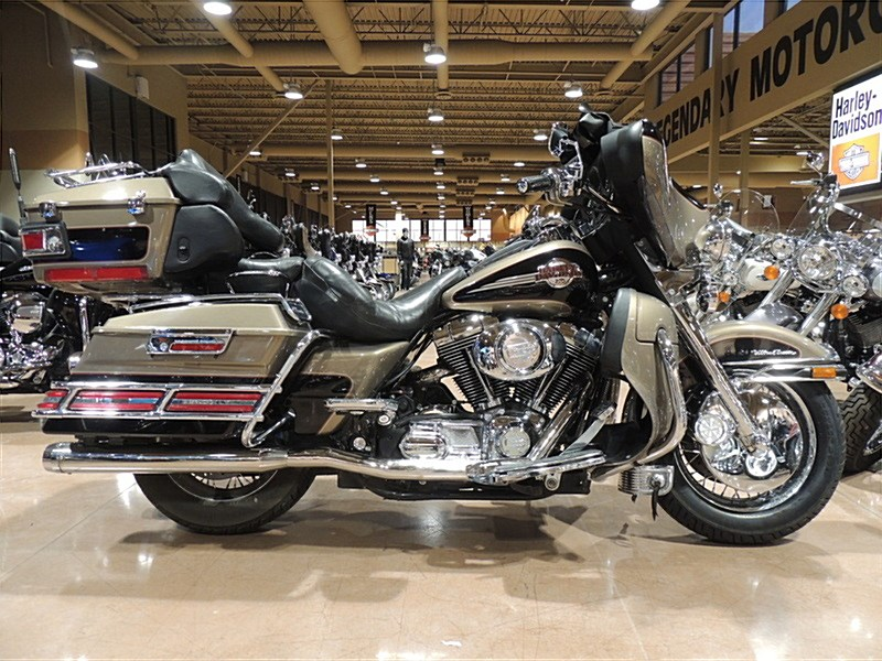 Photo of a 2005 Harley-Davidson® FLHTCU/I Electra Glide® Ultra Classic®