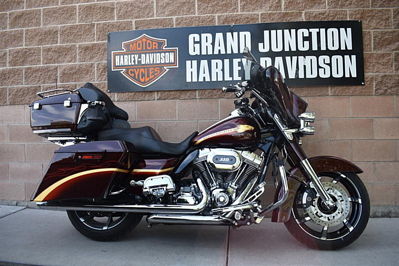 Photo of a 2010 Harley-Davidson® FLHXSE CVO™ Street Glide®