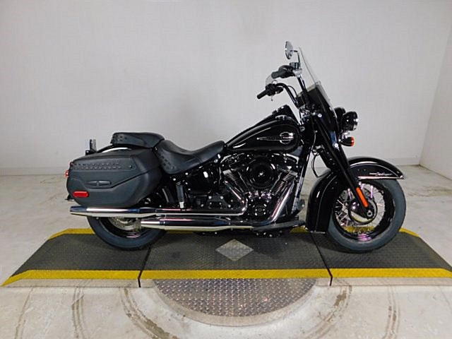 Photo of a 2018 Harley-Davidson® FLHC Softail® Heritage Classic