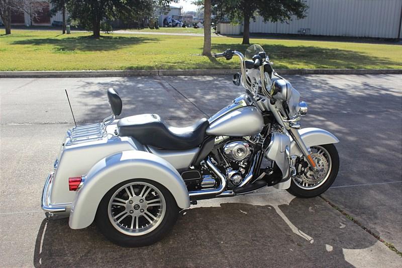 Photo of a 2010 Harley-Davidson® FLHXXX Street Glide® Trike