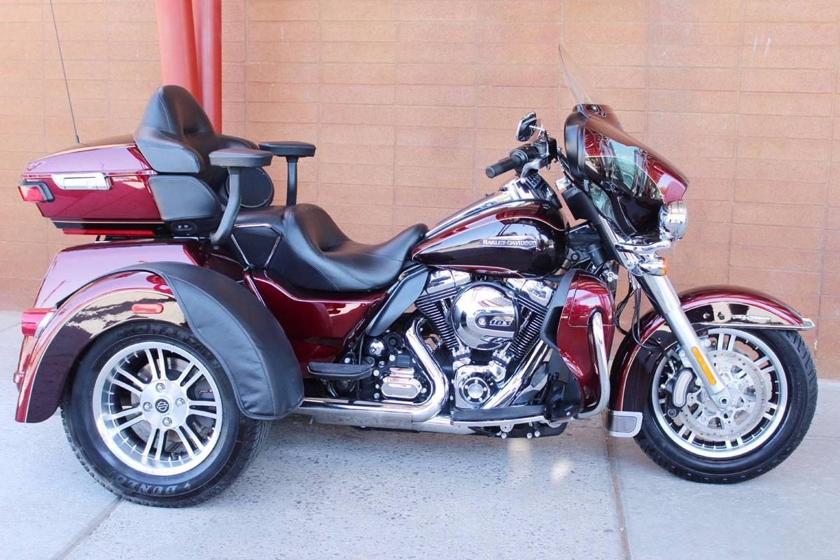 2014 Harley Davidson Tri Glide Ultra: 2014 Harley-Davidson® FLHTCUTG Tri Glide™ Ultra Classic