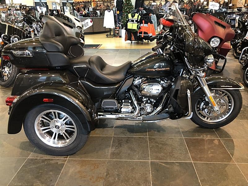 Photo of a 2019 Harley-Davidson® FLHTCUTG Tri Glide® Ultra