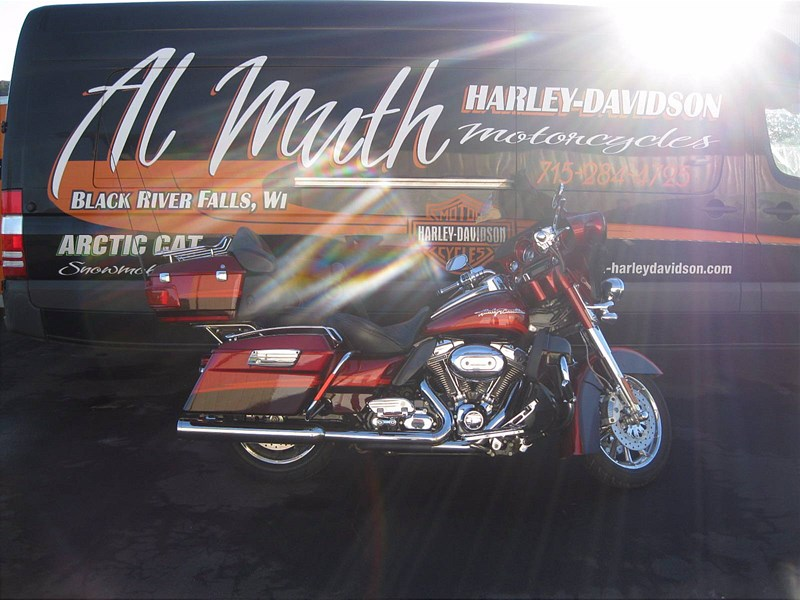 Photo of a 2009 Harley-Davidson® FLHTCUSE4 CVO™ Ultra Classic® Electra Glide®