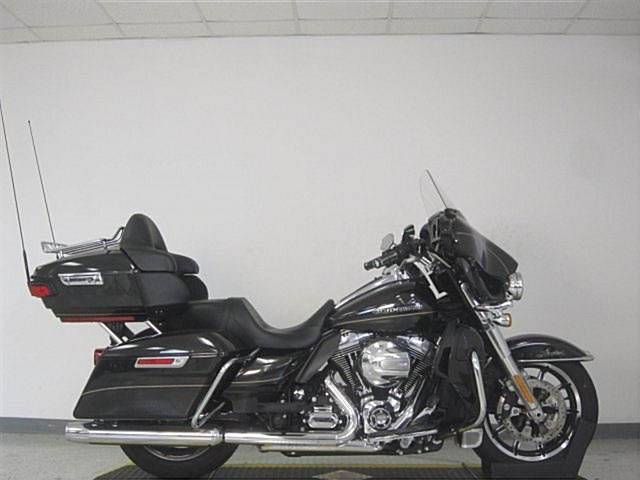 Photo of a 2016 Harley-Davidson® FLHTKL Electra Glide® Ultra Limited® Low