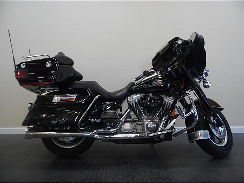 Photo of a 2004 Harley-Davidson® FLHT/I Electra Glide® Standard