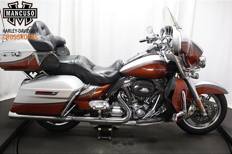 Photo of a 2014 Harley-Davidson® FLHTKSE CVO® Electra Glide® Ultra Limited
