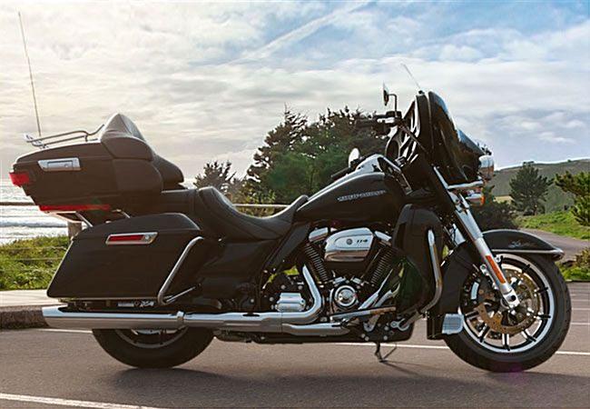 Photo of a 2019 Harley-Davidson® FLHTKL Ultra Limited Low