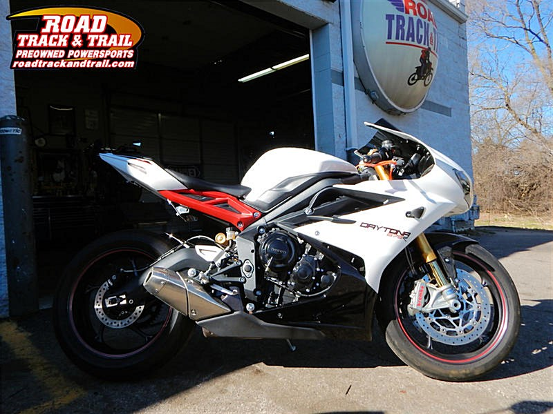 Photo of a 2013 Triumph  Daytona 675R ABS