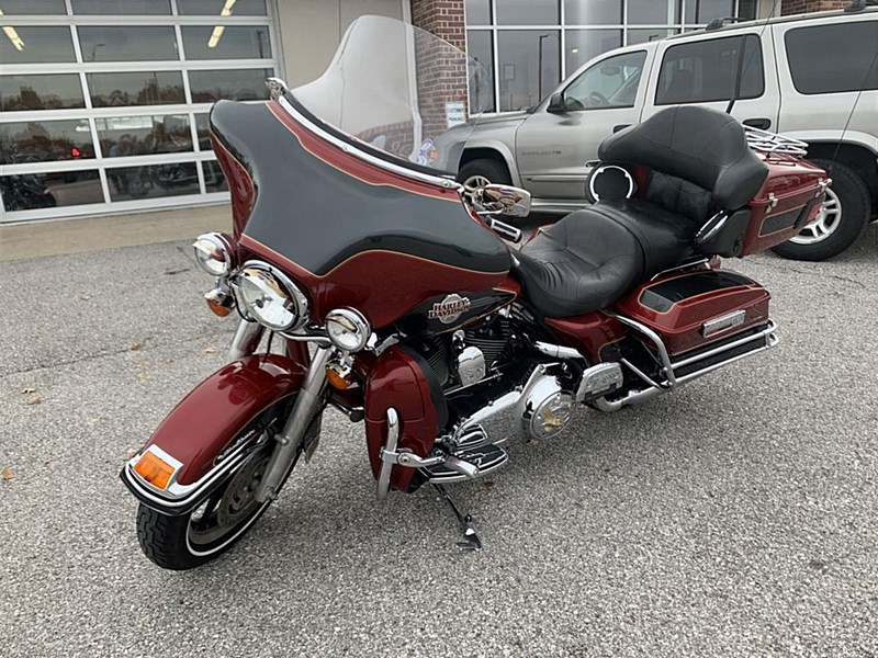 Photo of a 2007 Harley-Davidson® FLHTCU Electra Glide Ultra Classic Shrine Special Edition